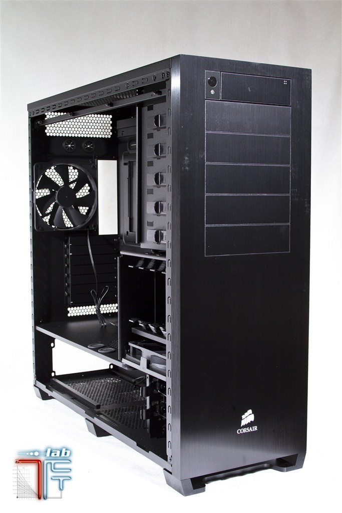 interno_frontale_45_1_Corsair_Obsidian_700D