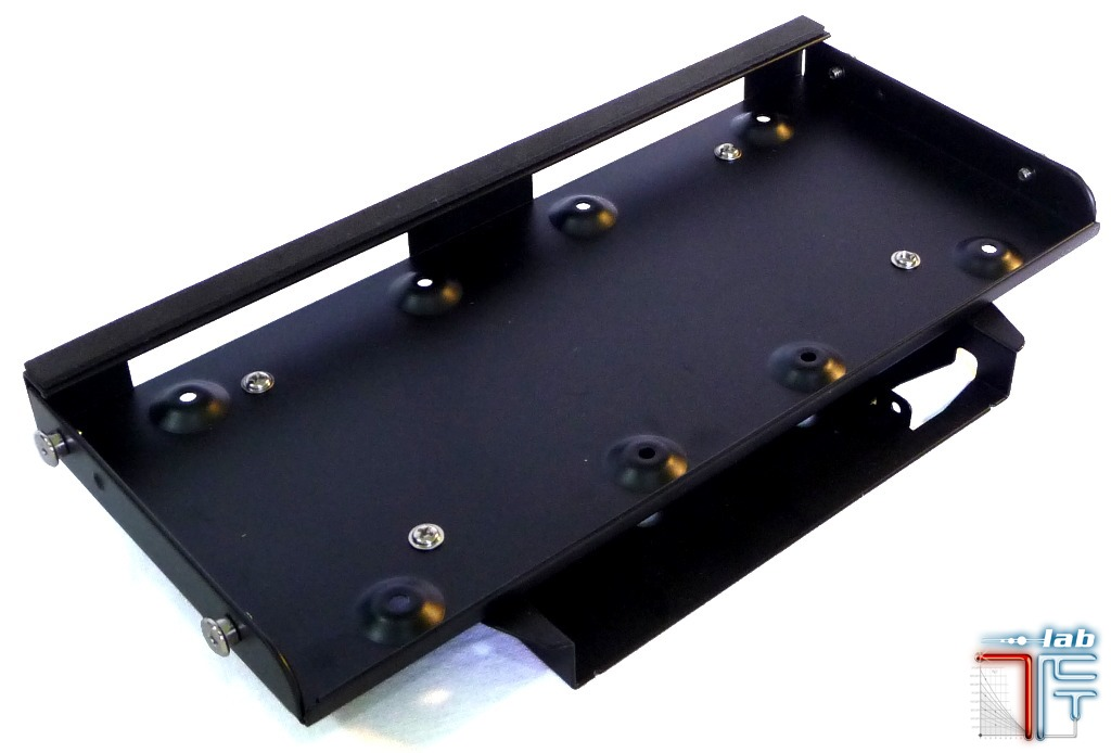 Antec ISK 600 inside hdd tray 1
