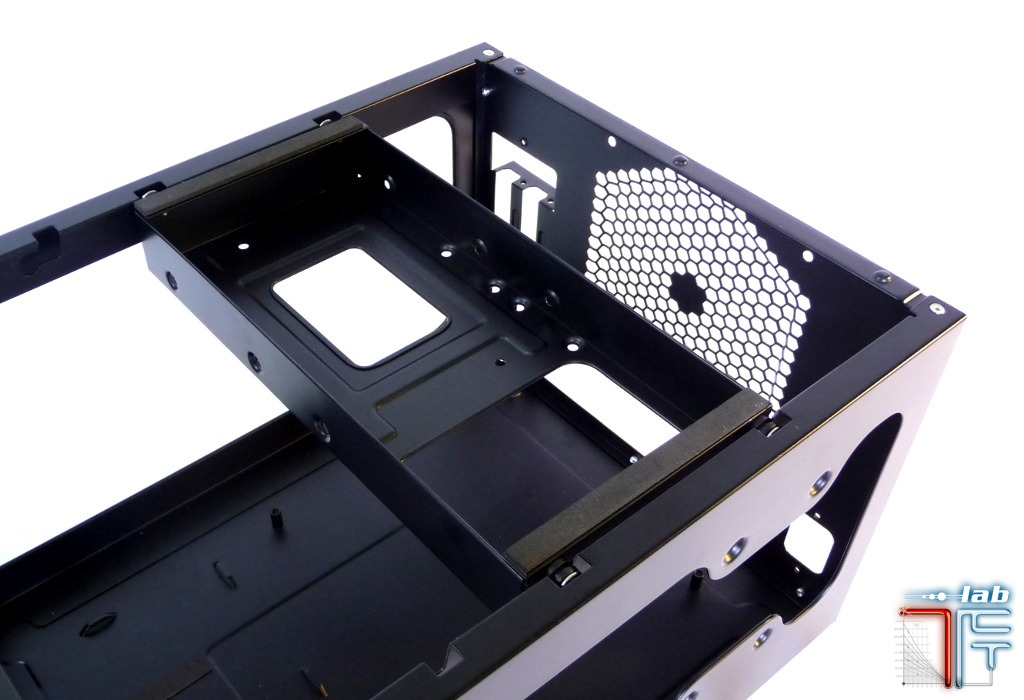 Antec ISK 600 inside top hdd