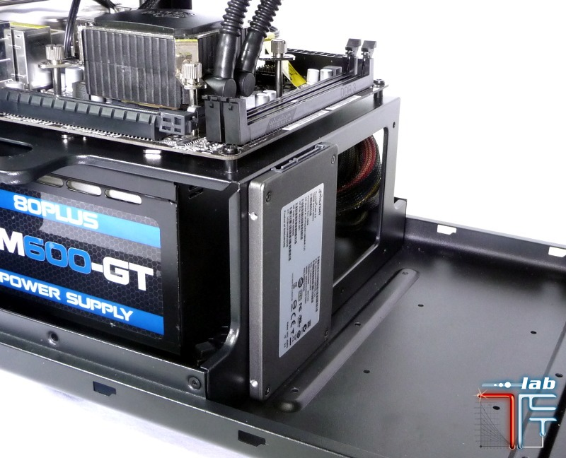 bitfenix colossus ssd vertical