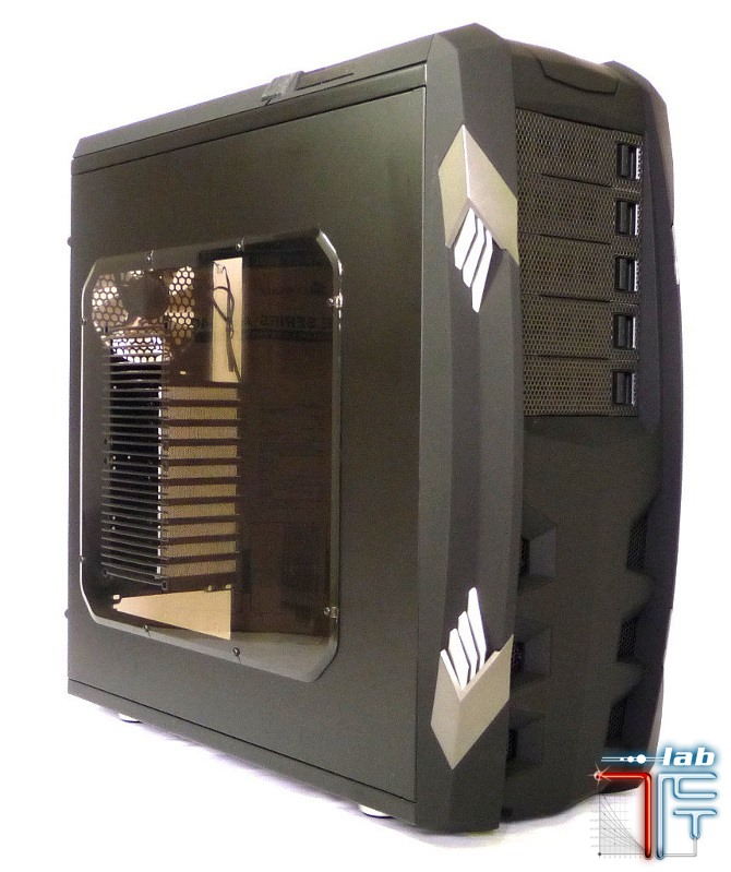 Raidmax Vampire case left 45 2