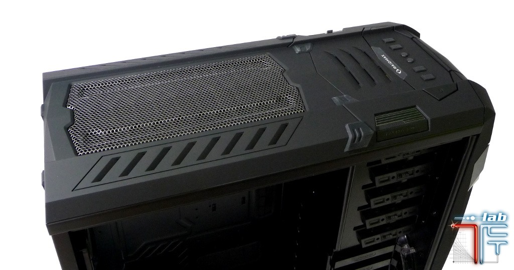 Raidmax Vampire top panel