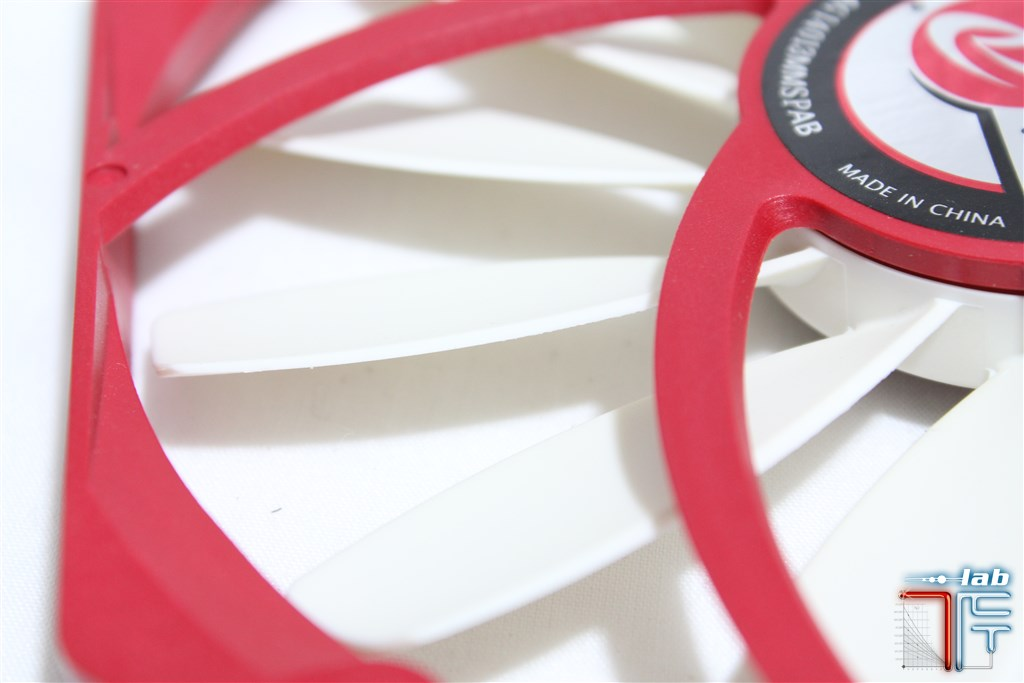 raijintek-140mm-impeller-2