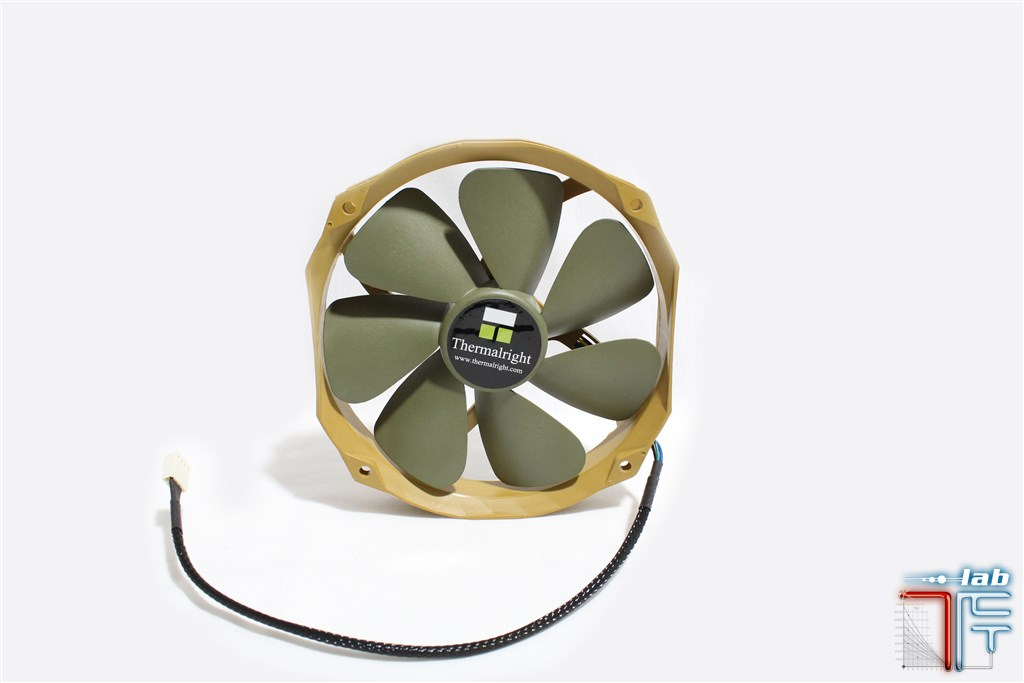 Thermalright-ty-141-fan-side