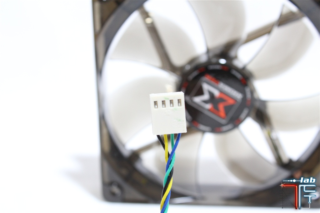 Dark-Knight-Night-Hawk-molex-fan